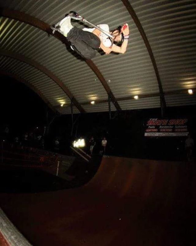 Big #tbt to a classic 12—12 session feat. @lewis_williams  // Don't miss our Halloween Jam next weekend — full deets over on our FB Event Page // Open today for a couple of chilled evening sessions 4-6pm // £2 and 6-8pm // £2 plus membership // @thefrontskateshop open all evening with limited sale items just added! ️#repost @lewis_williams ・・・WellOldWednesdayFolding an invert about 7 years ago at the funnest allnighter ive ever had down at @thefrontskatepark 📸(cant remember) @crispscootersofficial @thescooterfarm @gainprotection #thefrontskatepark #thefrontskateshop #thefront #weymouth #skatepark #dorset #october #autumn #autumnevening #tb #throwback #thursday #throwbackthursday #thursdaythrowback #wellold #backintheday
